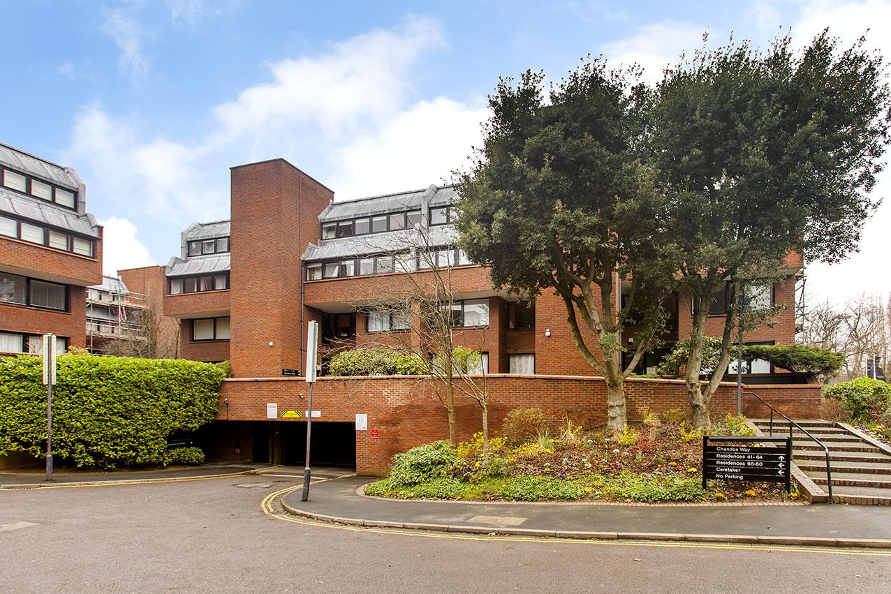 2 Bedrooms Flat for sale in Chandos Way, NW11